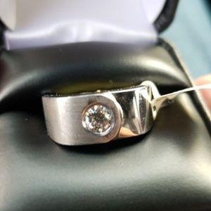 18k wg ring with .40 ct diamond